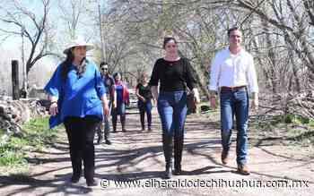 Visita Luis Aguilar a afectados por lluvias en Casas Grandes - El Heraldo de Chihuahua