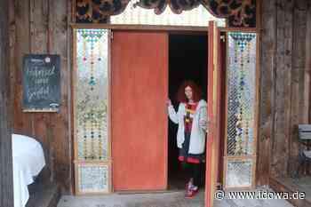 Falkenfels: Ein Universum aus Geschichten beim Puppentheater Karotte - idowa