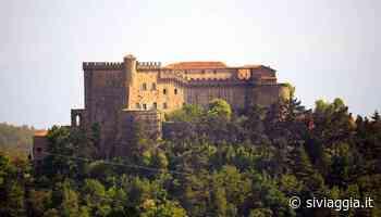 """Il Castello di Fosdinovo dove Dante ha ultimato la """"Divina Commedia"""" - SiViaggia"""