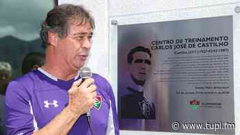 Fluminense inaugura placa em homenagem ao goleiro Carlos Castilho - Super Rádio Tupi