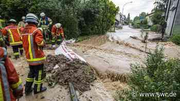 Einsatzkräfte im Einsatz in Remseck und Affalterbach Starkregen führt zu überfluteten Straßen im Landkreis Ludwigsburg | Stuttgart | SWR Aktuell Baden-Württemberg | SWR Aktuell - SWR
