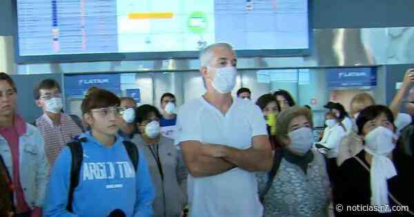 Há 1 semana, 200 argentinos estão morando no aeroporto de Guarulhos - R7