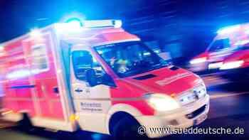 Lastwagen kippt um - Fahrer schwer verletzt - Süddeutsche Zeitung