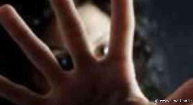 In quarantena col marito violento, donna massacrata a colpi di mattarello: salvata dai carabinieri - Il Mattino