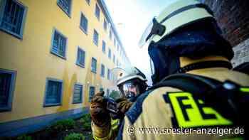 Werl/NRW: Brand in der JVA Werl nahe einer Zelle - Feuerwehr im Einsatz   Werl - soester-anzeiger.de
