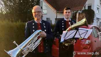 Stadtkapelle Ehingen: Corona-Aktion: Musikverein spielt Instrumente aus der Isolation - SWP