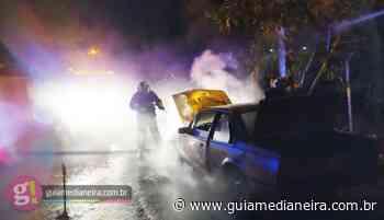 Medianeira: Bombeiros controlam incêndio em veículo no Bairro Vila Nova - Guia Medianeira