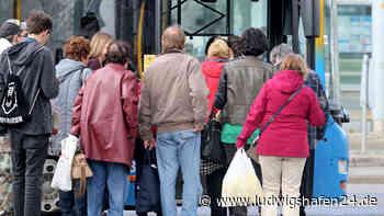Coronavirus in Frankenthal: Bus mit Amazon-Mitarbeitern extrem überfüllt! | Region - ludwigshafen24.de