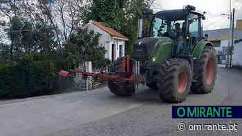 Agricultores desinfectam ruas de Achete, Azoia de Baixo e Póvoa de Santarém - O Mirante