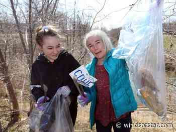 Windsor mother, daughter spend time off picking up trash