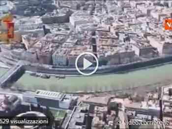 Roma, dall'elicottero le impressionanti riprese della città deserta - Corriere della Sera