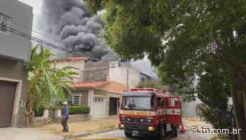 Se incendió una fábrica de torres de enfriamiento en Villa Martelli - TN - Todo Noticias