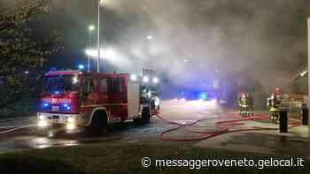 A fuoco capannone con 45 mila prosciutti - Il Messaggero Veneto
