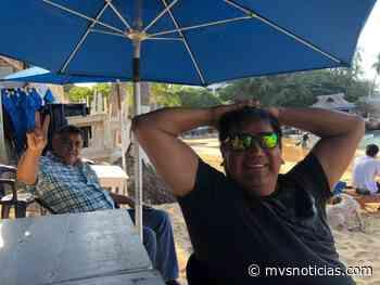 Pese a contingencia, senador de Morena presume viaje a la playa - MVS Noticias