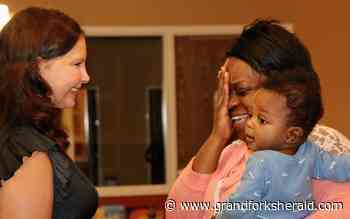 Ashley Judd tours St. Paul women's shelter, says cause is 'the air that I breathe' - Grand Forks Herald