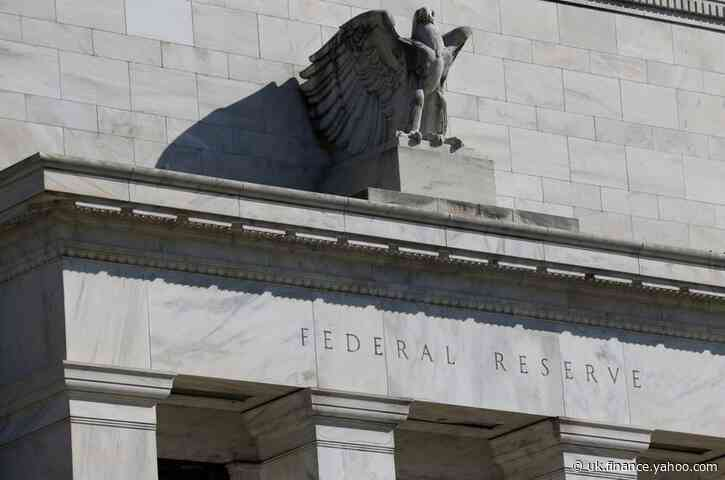 U.S. banks borrow at discount window after Fed offers stigma relief