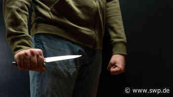 Messerstecher Crailsheim: Junger Mann sticht mit Küchenmesser zu – jetzt muss er ins Gefängnis - SWP