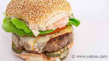 How To Make Muenster Burgers with Sriracha Special Sauce By Rachael - Yahoo Entertainment