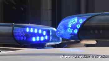 Auto prallt gegen Wohnhauseingang: Fünf Jugendliche verletzt - Süddeutsche Zeitung