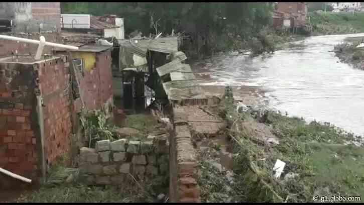 Famílias ficam desabrigadas em Santana do Ipanema, AL - G1