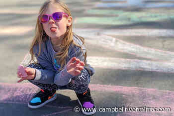 Campbell River family's sidewalk chalk messages lift spirits around community - Campbell River Mirror