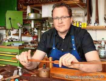 Ostrach: Matthias Penzel bringt mit seinen Bögen Streichinstrumente zum Klingen - SÜDKURIER Online