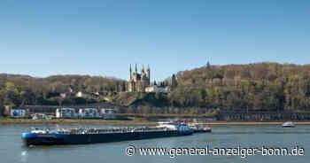 Remagen/Erpel: Frachter rutscht auf eine Sandbank - Wasserschutzpolizei auf dem Rhein im Einsatz - General-Anzeiger