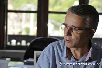 Prefeito de Blumenau evita polêmica envolvendo pronunciamento de Bolsonaro - NSC Total