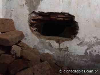 Detentos são pegos tentando fugir da cadeia de Ceres - diariodegoias.com.br