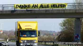 Corona: Transparent in Werl als Dank an die Helfer von der Polizei entfernt   Werl - Soester Anzeiger