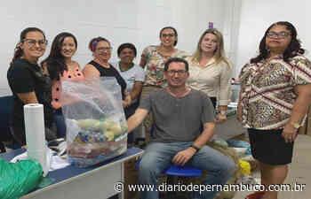 Alunos da Rede Municipal de Abreu e Lima recebem kits de alimentação escolar - Diário de Pernambuco