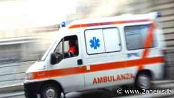Giugliano in Campania: Un uomo va in escandescenze dopo il tampone per il Covid-19 - 2anews