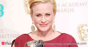 Corona effect: 'Boyhood' star Patricia Arquette quits smoking & vaping to keep lungs healthy - Economic Times