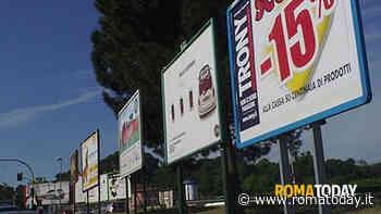 Coronavirus, Raggi tende una mano al comparto pubblicitario: niente tasse fino a settembre