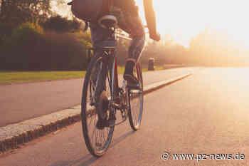 Dreister Radler: Fahrradfahrer beschädigt Auto in Ispringen und flüchtet – hoher Sachschaden - Pforzheimer Zeitung