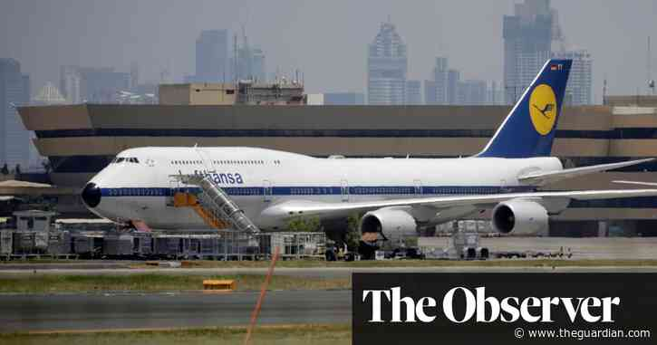 Stranded Britons quoted £40,000 each to fly home from New Zealand