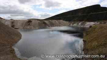 UK police dye lagoon to keep visitors away - Cessnock Advertiser