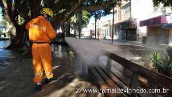 Desinfecção de pontos estratégicos começa pela Praça Sant'Ana - Jornal de Vinhedo