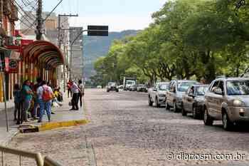 Embora pouco, ainda há movimento nas ruas de Santa Maria - Diário de Santa Maria