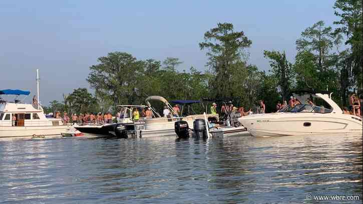 Flotilla ignores ban on gatherings, caught partying on dock of popular Tickfaw River bar closed during shutdown