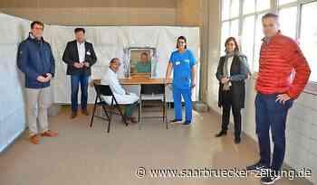 Hoffeld und Schlegel-Friedrich zu Besuch in SHG-Klinik Merzig - Saarbrücker Zeitung