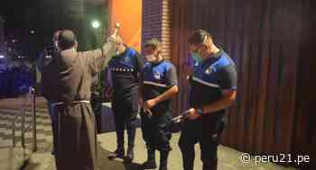 Padres de Parroquia San Antonio de Padua y vecinos realizaron homenaje a serenos de Jesús María [FOTOS] - Diario Perú21