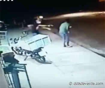 De máscara cirúrgica, assaltante rouba arma de PM e mercearia em Teresina - Cidadeverde.com