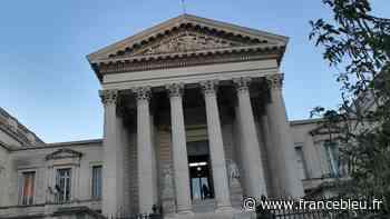 Coronavirus : des masques volés à l'hôpital de Roanne revendus à Montpellier - France Bleu