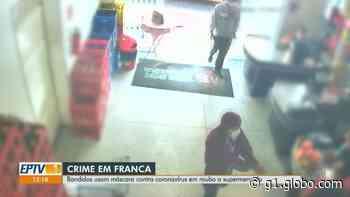 VÍDEO: Com máscaras cirúrgicas, criminosos assaltam mercado em Franca e dois são presos pela PM - G1