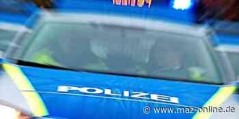 Randalierer - Betrunkener schlägt auf Fahrzeug ein - Märkische Allgemeine