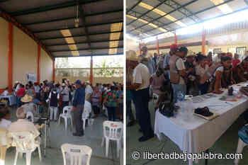 En Ignacio de la Llave, Veracruz, obligan a cientos de adultos mayores a reunirse sin sana distancia, sin medidas sanitarias, para recibir apoyos - Libertadbajopalabra.com
