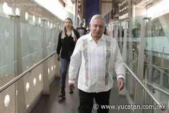Con vallas evitan que se acerquen a López Obrador en Puerto Vallarta - El Diario de Yucatán