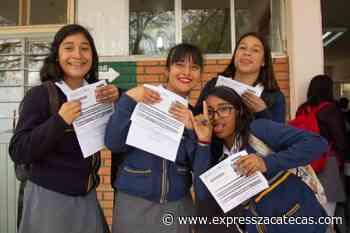 Beca Benito Juárez a jóvenes de Miguel Auza, Valparaíso y Villa de Cos - Express Zacatecas