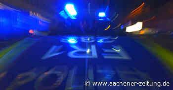 Zwei der vier Insassen konnten flüchten: Spritztour in Baesweiler mit gestohlenem Auto endet mit Überschlag - Aachener Zeitung